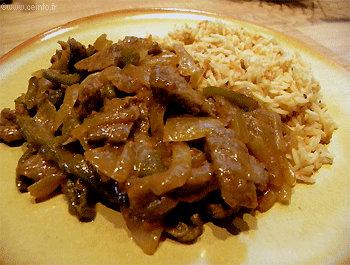 Recette Émincé de bœuf aux poivrons verts et oignons