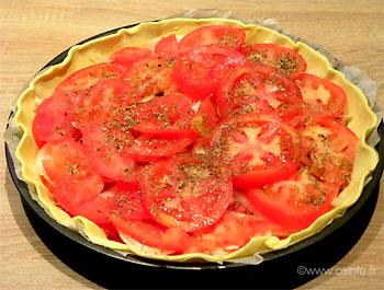 Recette La tarte Marianne - Moutarde, oignons, tomates, comté
