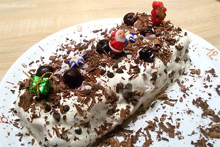 Recette Bûche de Noël au chocolat façon Forêt Noire