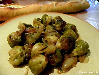 choux de bruxelles aux oignons : les légumes cuisinés