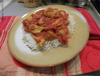 Recette Blancs de poulet au curcuma en sauce tomate